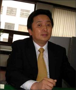 21일 인터뷰에 응한, 김영환 전 과학기술부 장관. 21일 인터뷰에 응한, 김영환 전 과학기술부 장관.